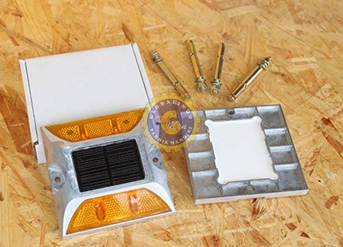Paku Marka Solar Cell Alumunium - 4 Lampu