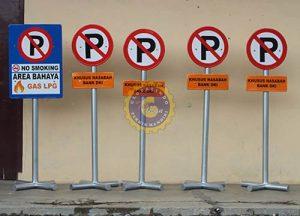 rambu parkir movable