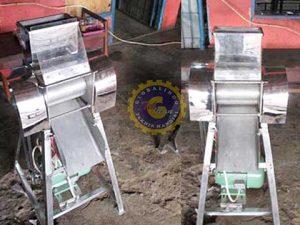 mesin penghalus bungkil coklat
