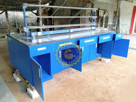 Meja Laboratorium Island Bench